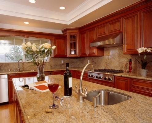 Graniitti Rosso multicolor keittiö